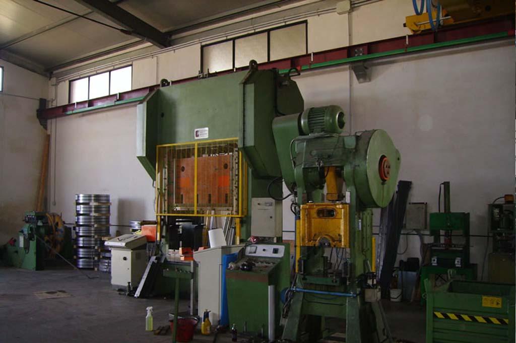 Geis Impianti, macchinario per stampaggio